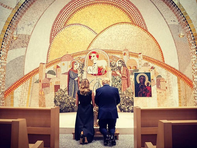 melania donald trump praying